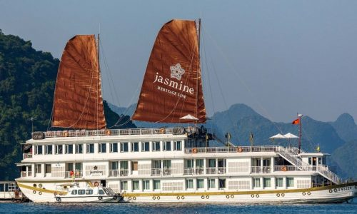 Halong 2 days comfort and adventure