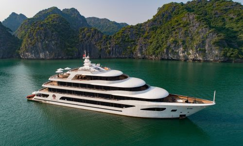 enjoy a 2-day voyage in Halong Bay