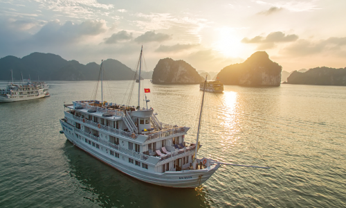 overnight excursion in Halong Bay