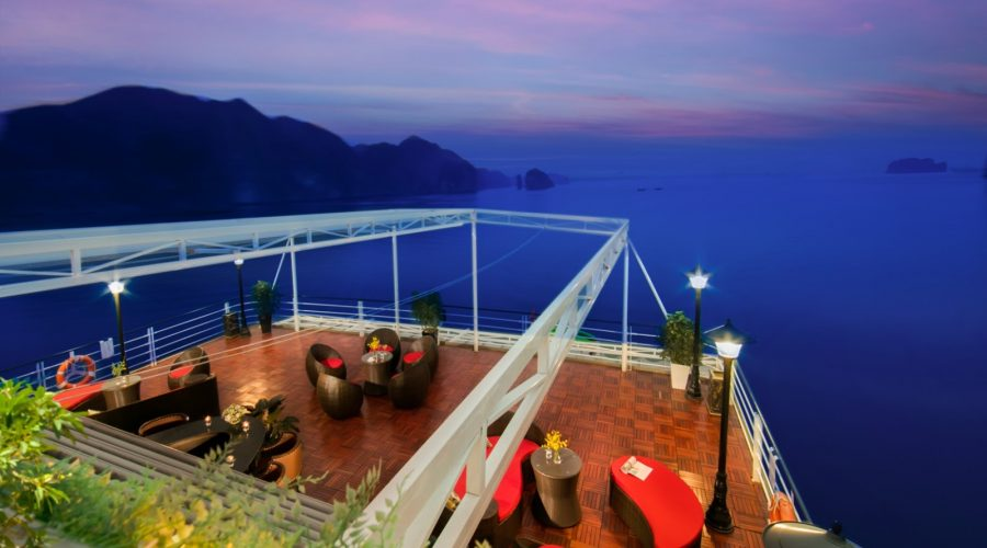 two-day cruise to Lan Ha Bay